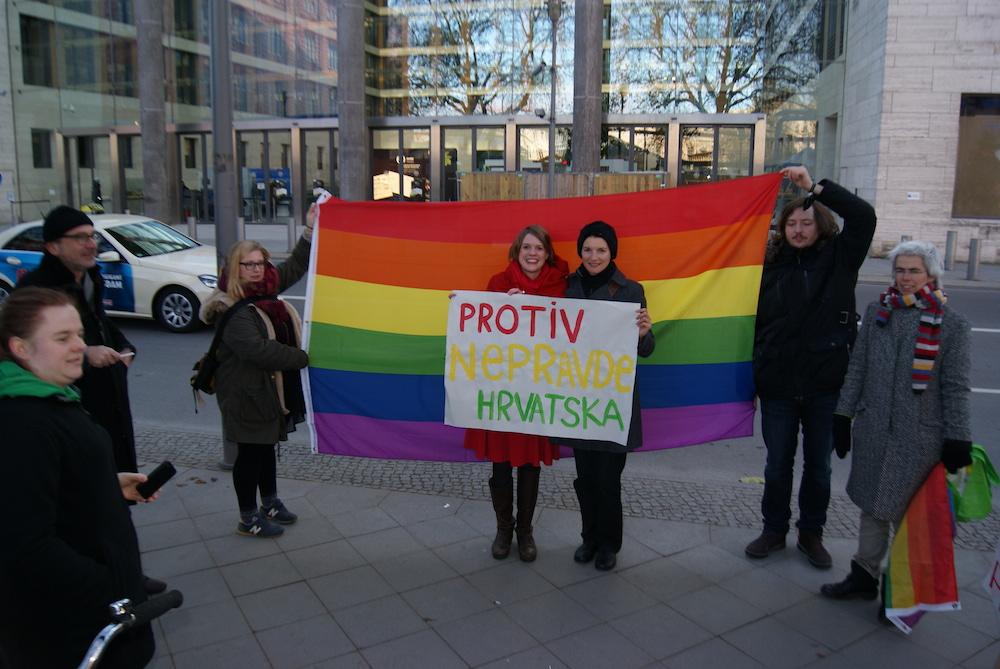 Demonstration vor der Kroatischen Botschaft