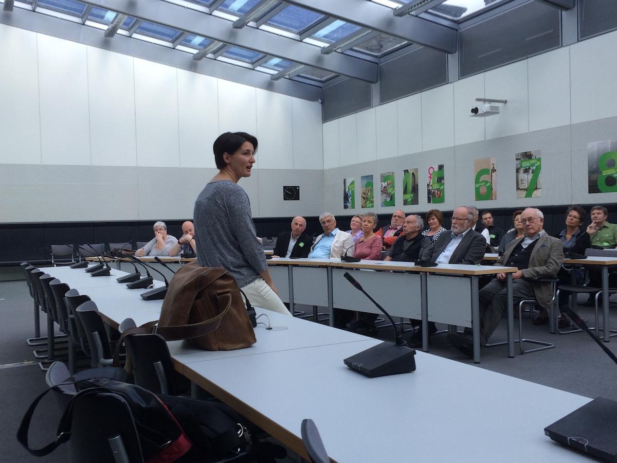 Irene Mihalic im Fraktionssaal